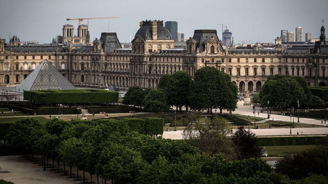 La Pyramide du Louvre a remplacé le Château de Tuileries dans la perspective imaginée par Le Nôtre.