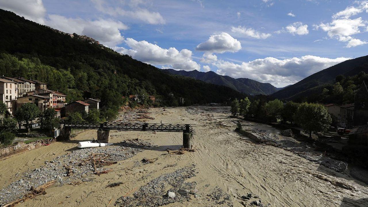 Témoin du caractère désastreux des crues historiques qui ont frappé ce week-end une bonne partie de l'arrière-pays, ce pont effondré qui permettait de traverser la rivièreVesubie.