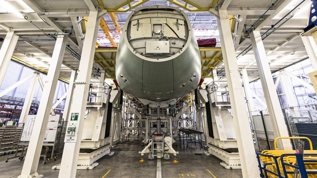 Les avions cloués au sol ou presque depuis six mois par la pandémie, c'est l'industrie aéronautique qui paye le plus la crise sanitaire au sein du made in France.