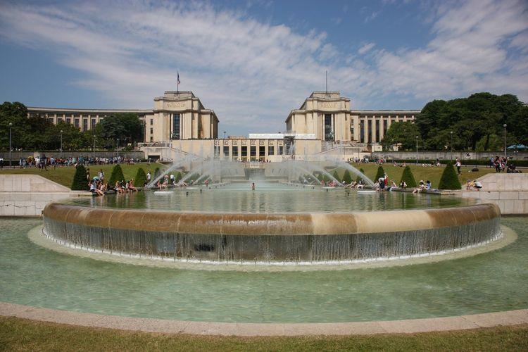 Saint Laurent ne privatisera pas cette année les Fontaines du Trocadéro.