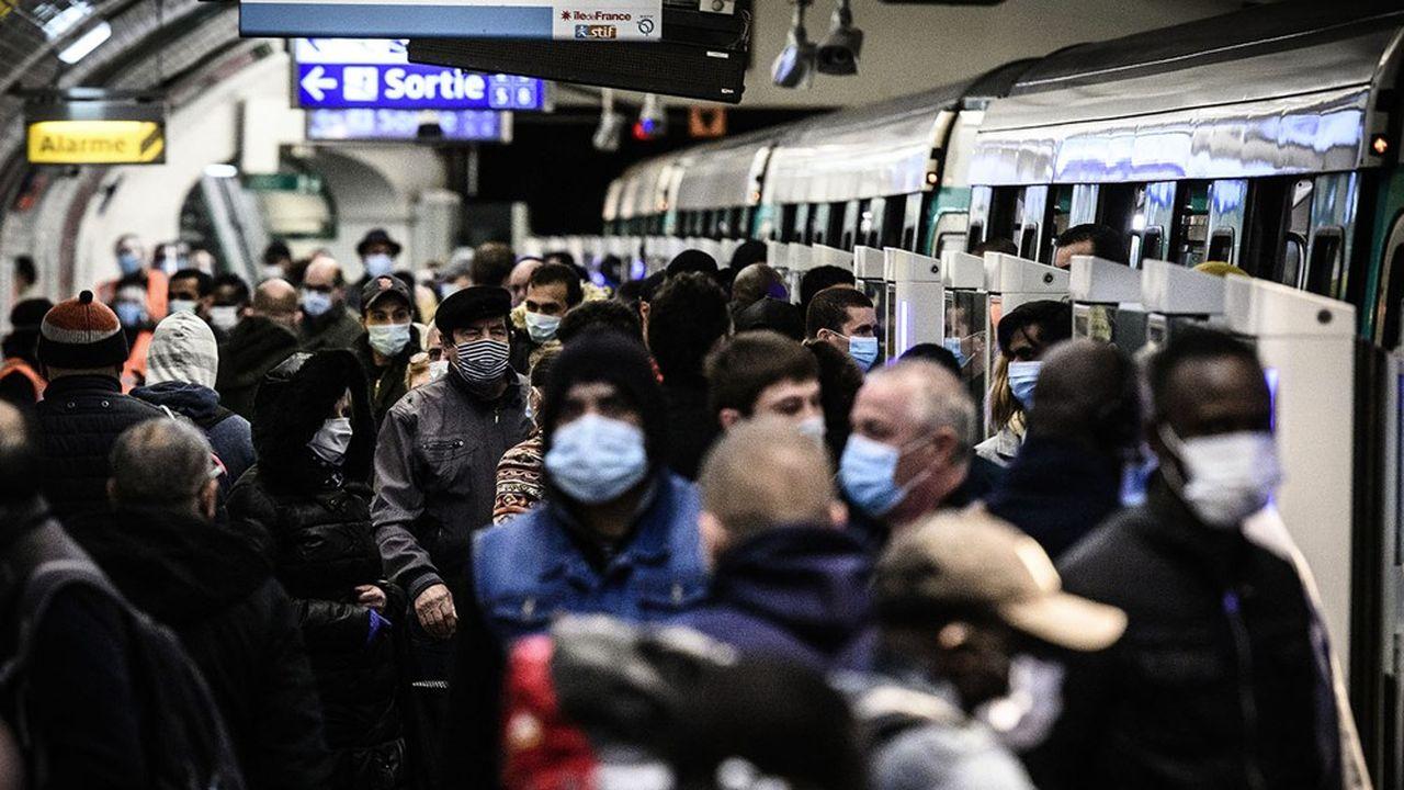 Une station de la ligne 13 du métro parisien ce lundi.