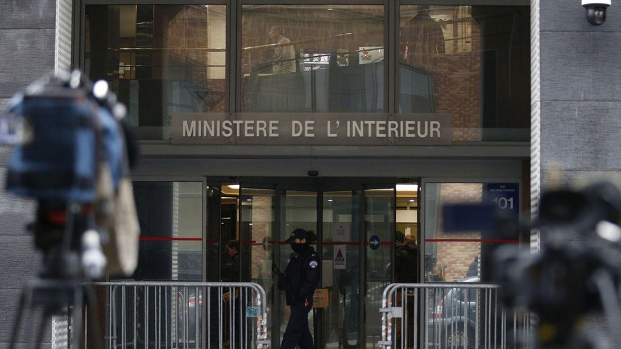 La Direction centrale de la police judiciaire (Ministère de l'Intérieur) a initié une structure de renseignement dédiée à la lutte contre le blanchiment et aux rachats frauduleux accélérés par le Covid.