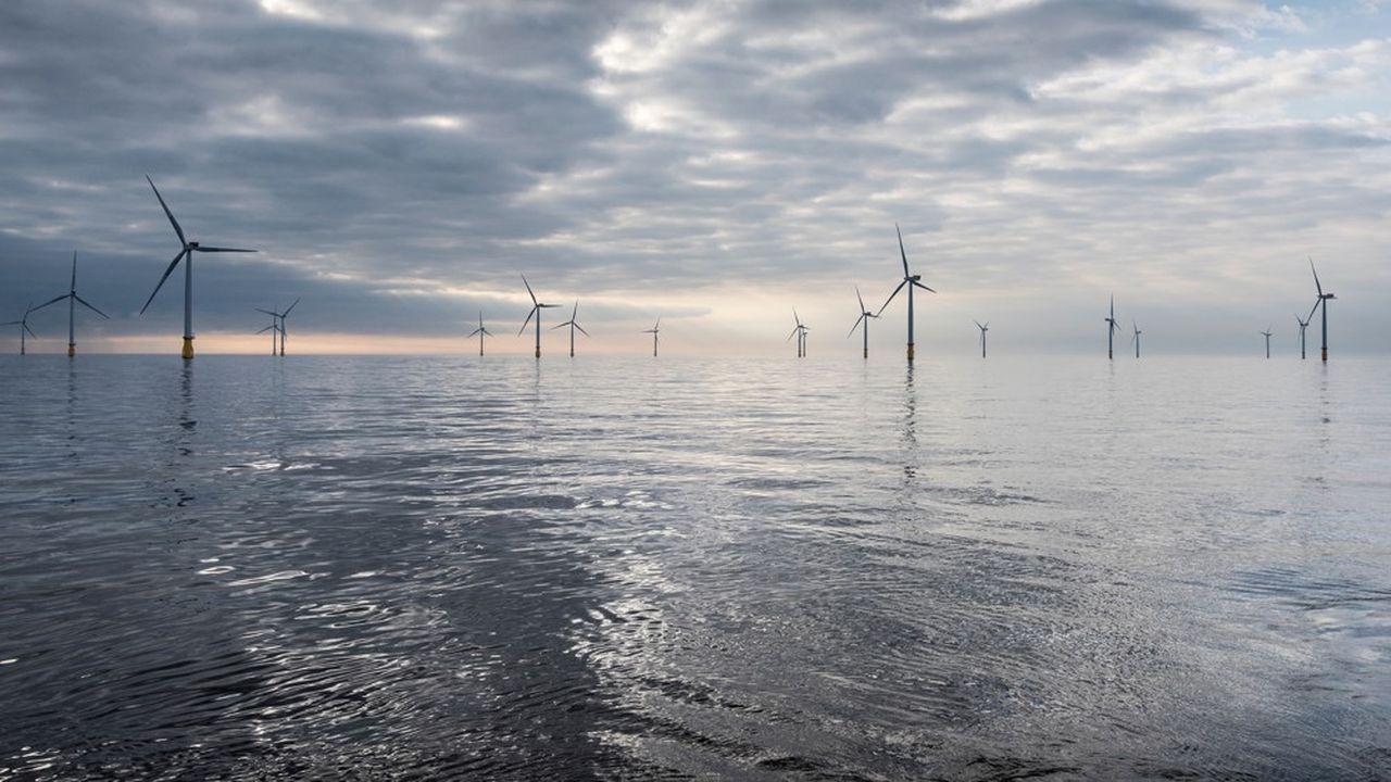Boris Johnson s'est engagé mardi à bâtir non seulement des fermes d'éoliennes fixes, mais aussi assez d'éoliennes flottantes «pour fournir 1 gigawatt d'énergie d'ici 2030, soit 15 fois ce que fait ensemble le reste du monde».