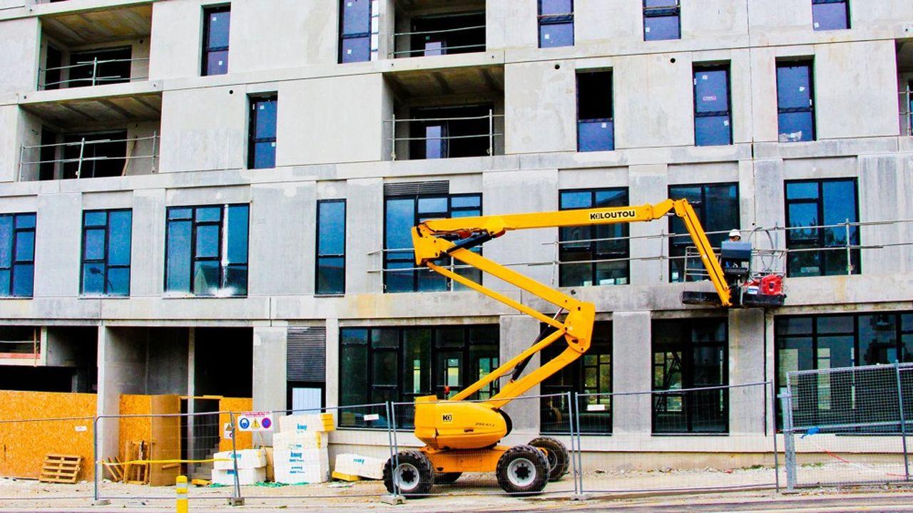 En France, la construction est en berne et les besoins de logements ne cessent d'augmenter.
