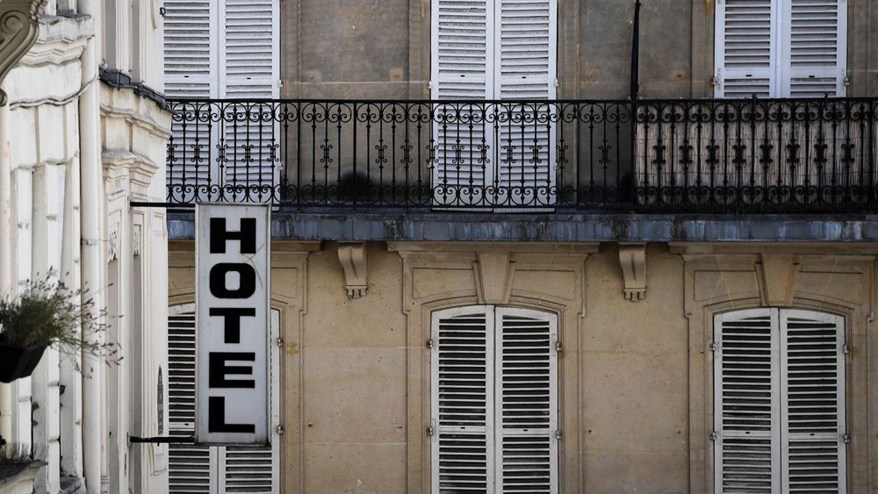 L'hôtellerie française reste très affectée par la crise sanitaire. D'une manière générale, la tendance est à un chiffre d'affaires divisé par deux, constate le patron du pôle tourisme/loisirs de KPMG France.
