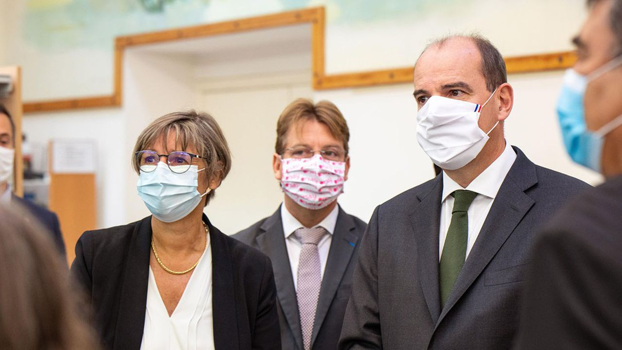 Pour Sylvie Retailleau - ici avec le Premier ministre, Jean Castex, en visite à l'université Paris-Saclay le 7septembre dernier -, le grand dossier de la rentrée est la création d'une filière sélective aux côtés de la voie classique d'admission.