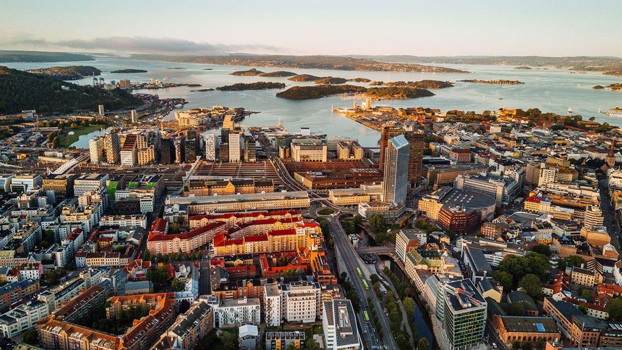 Pour assurer sa croissance, la Norvège va puiser à hauteur de 313milliards de couronnes (28milliards d'euros) dans le gigantesque fonds souverain alimenté par ses ressources pétrolières et gazières.