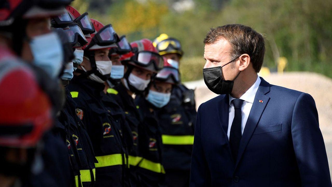 «La Nation sera avec vous car notre pays, c'est ça aussi», a déclaré Emmanuel Macron aux sinistrés à Tende, dans les Alpes-Maritimes.