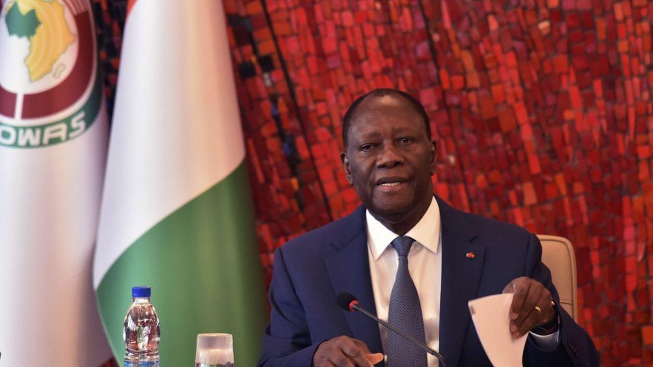 Alors que la constitution ivoirienne limite les mandats présidentiels à deux, Alassane Ouattara a décidé d'en briguer un troisième.