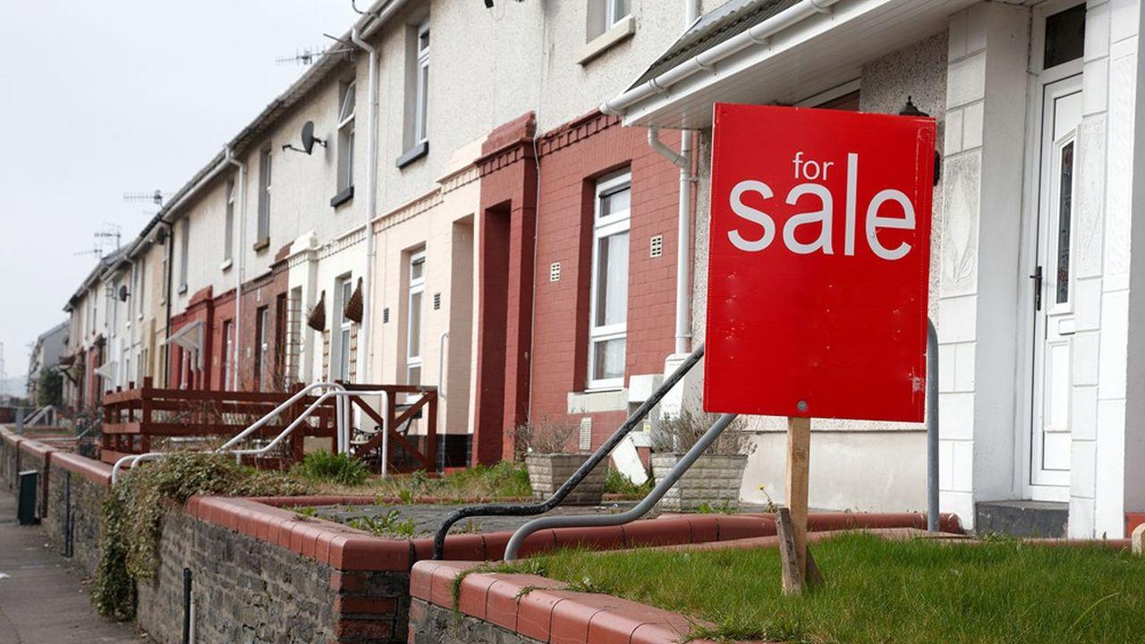 Les cours de Bourse des trois plus gros promoteurs immobiliers britanniques ont bondi d'environ 5% depuis l'article du «Daily Telegraph» dans lequel la nouvelle a fuité.