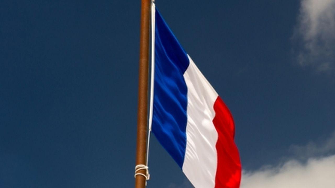 322298_1531737183_3857-1356709034-drapeau-francais-w.jpg