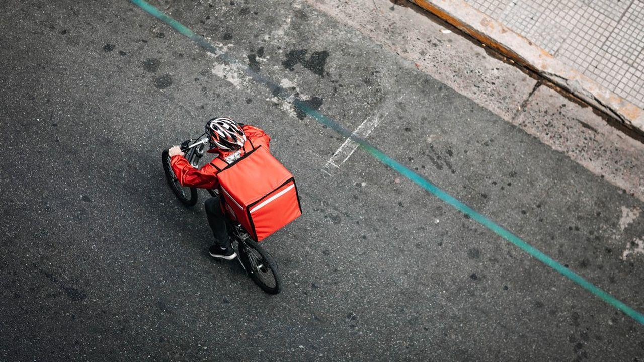 Dans deux arrêts, la Cour d'appel de Paris a refusé de considérer les livreurs à vélo de Tok Tok Tok comme des salariés.