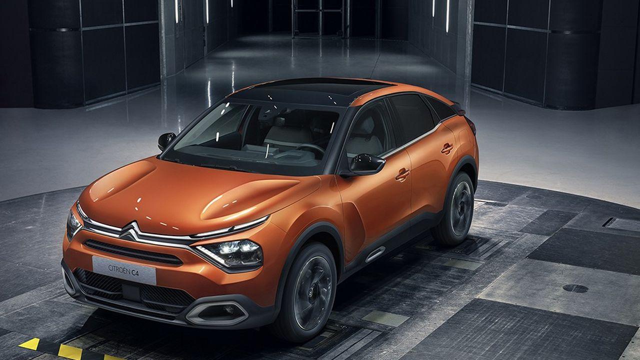 Avec la nouvelle C4, Citroën poursuit son festival de carrosseries originales.