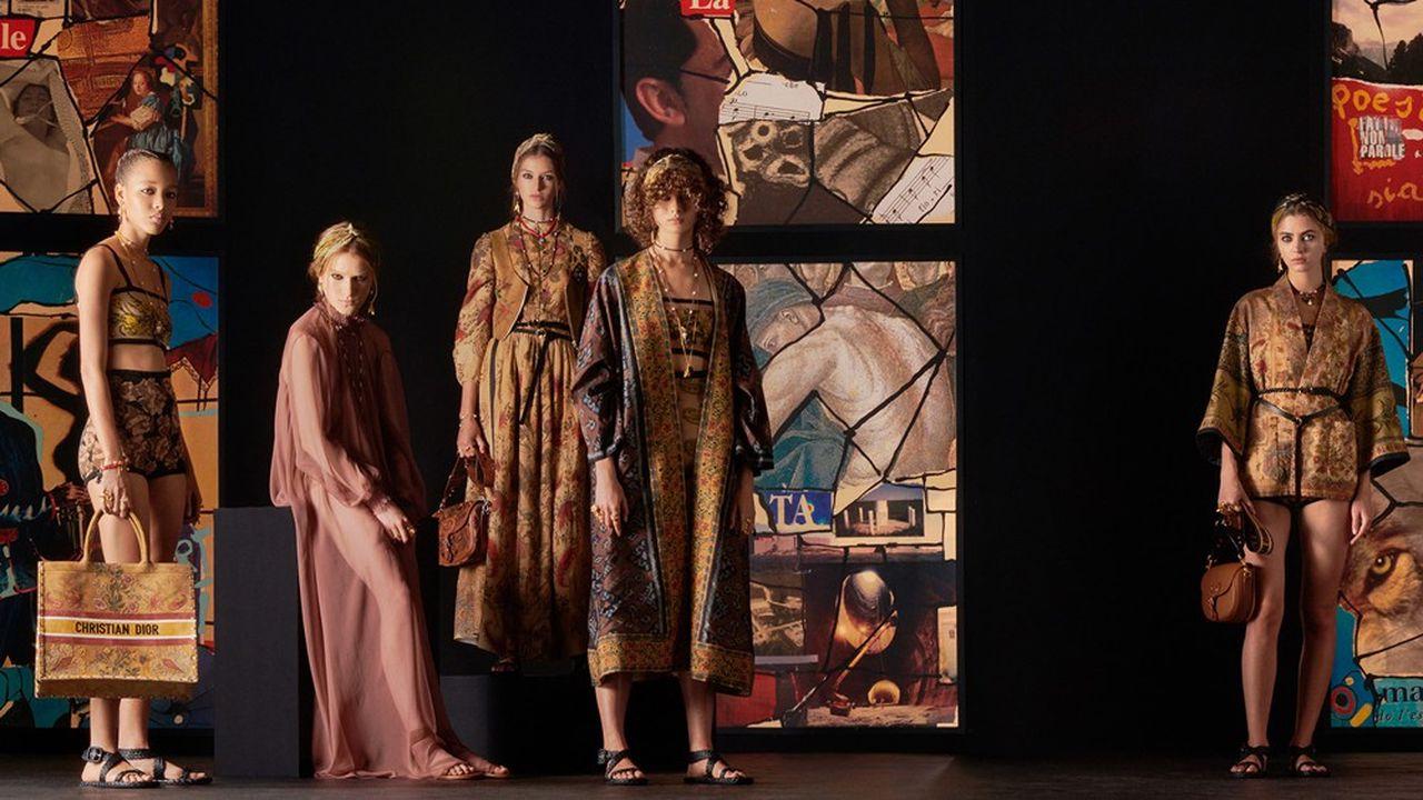 Chez Christian Dior, des imprimés télescopés et des silhouettes intemporelles invitent à l'évasion.