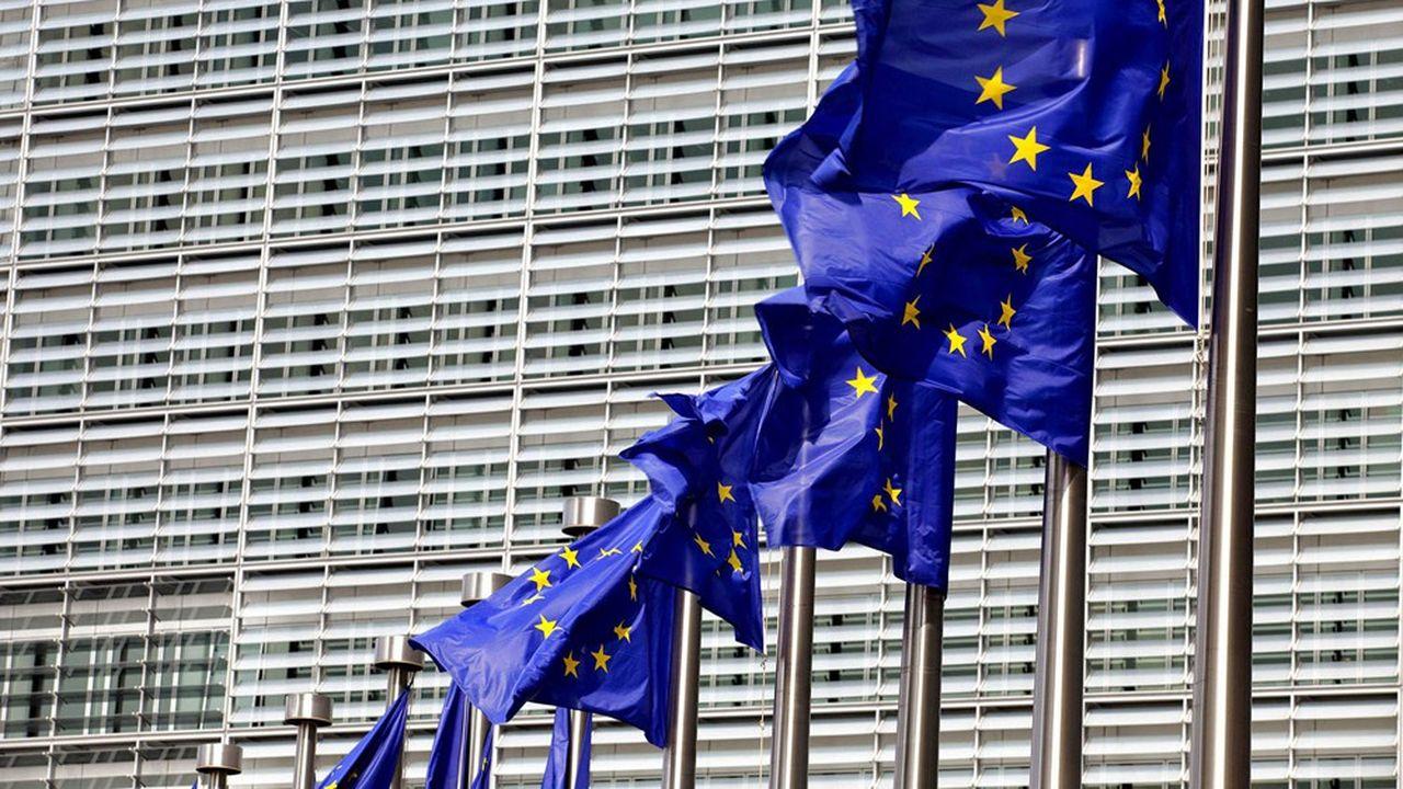 Des réflexions ont débuté au niveau européen pour aider les banques à céder ou titriser leurs créances douteuses.