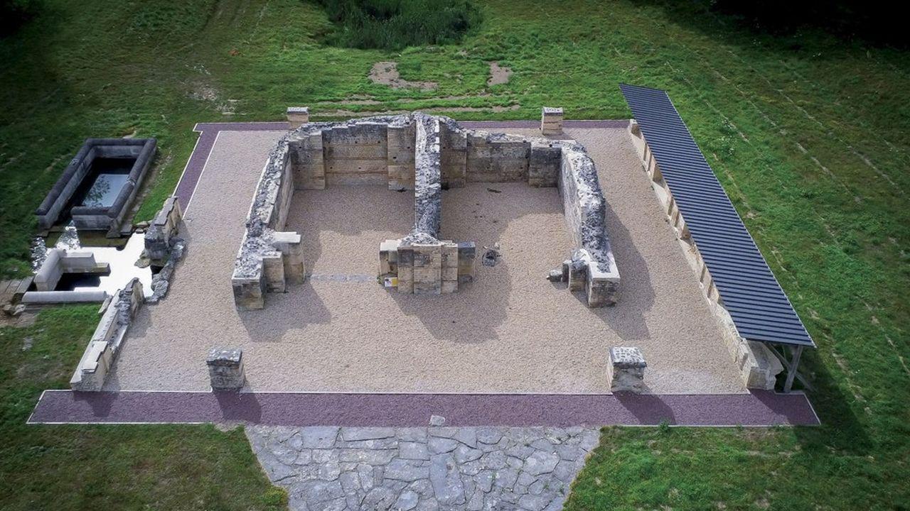 Le projet chantier qui impliquait la mise en place de pieux en béton dans les vestiges de Vaux-de-la-Celle est suspendu.