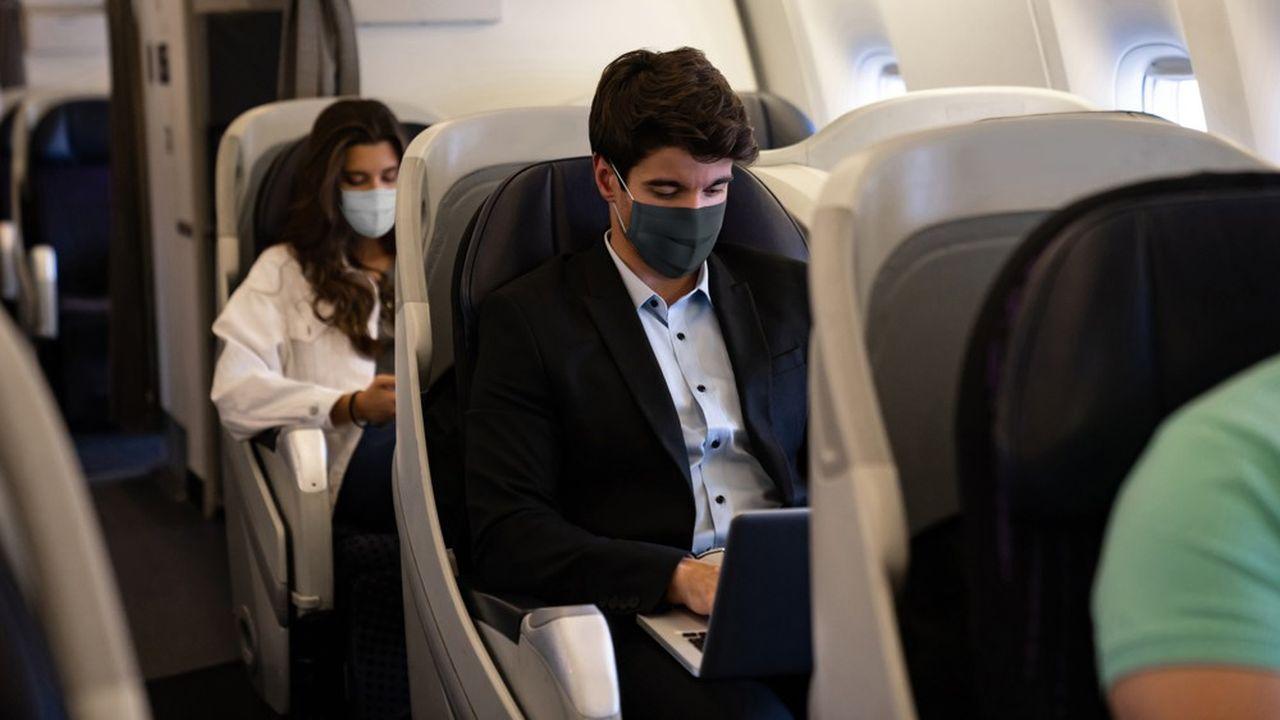 Les passagers d'un avion ont un risque infime d'attraper la covid-19 en vol.