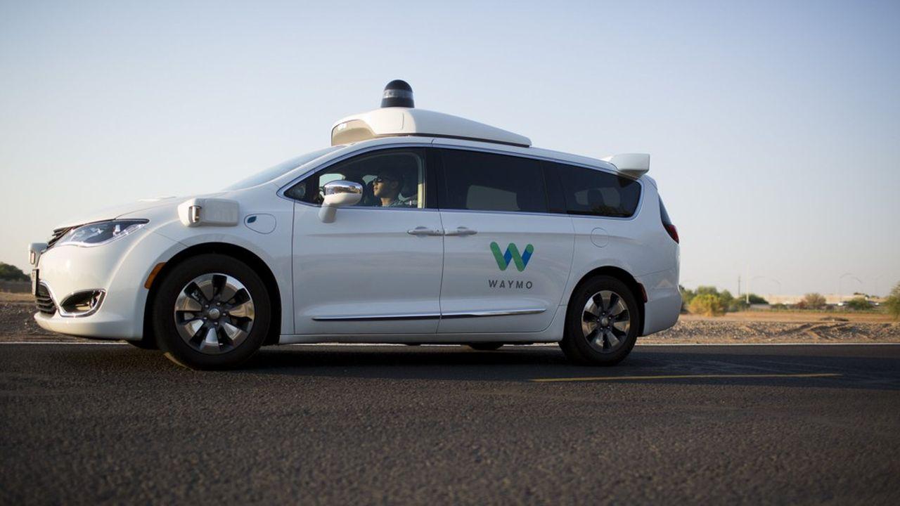 Jeudi, la filiale de voitures autonomes d'Alphabet, la maison mère de Google, a annoncé étendre son service de robotaxis dans la région de Phoenix.
