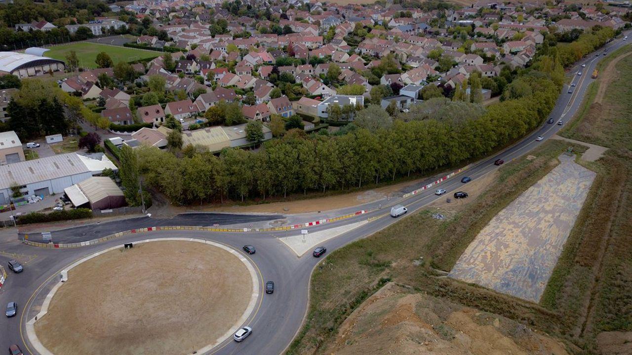 Située à cheval sur les communes d'Orsay (74 hectares) et de Saclay (20 hectares), la ZAC possède une position centrale.
