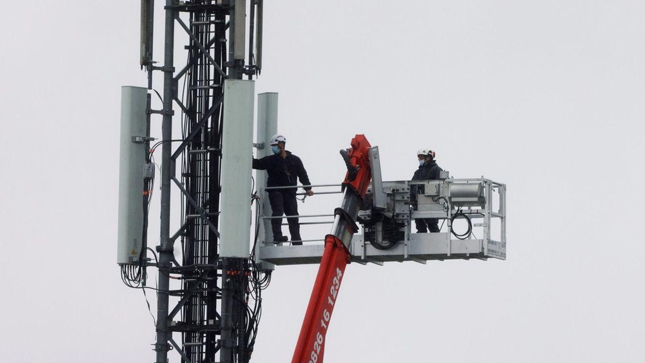 L'installation du réseau 5G fait débat en France. A Lille, le conseil municipal a décidé la mise en place d'un moratoire.