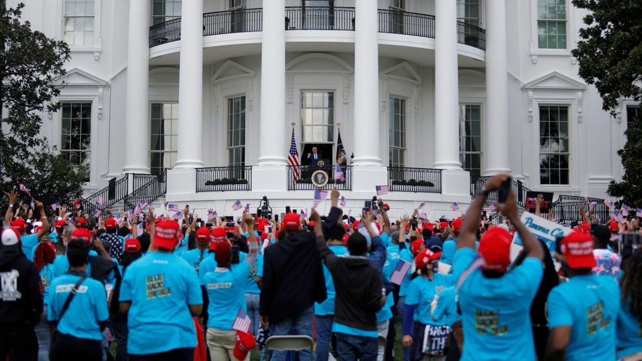 Les fans de Donald Tump réunis sur la pelouse sud de la Maison Blanche pour un discours de campagne du président américain ont scandé «Quatre ans de plus!» à l'adresse de leur favori.