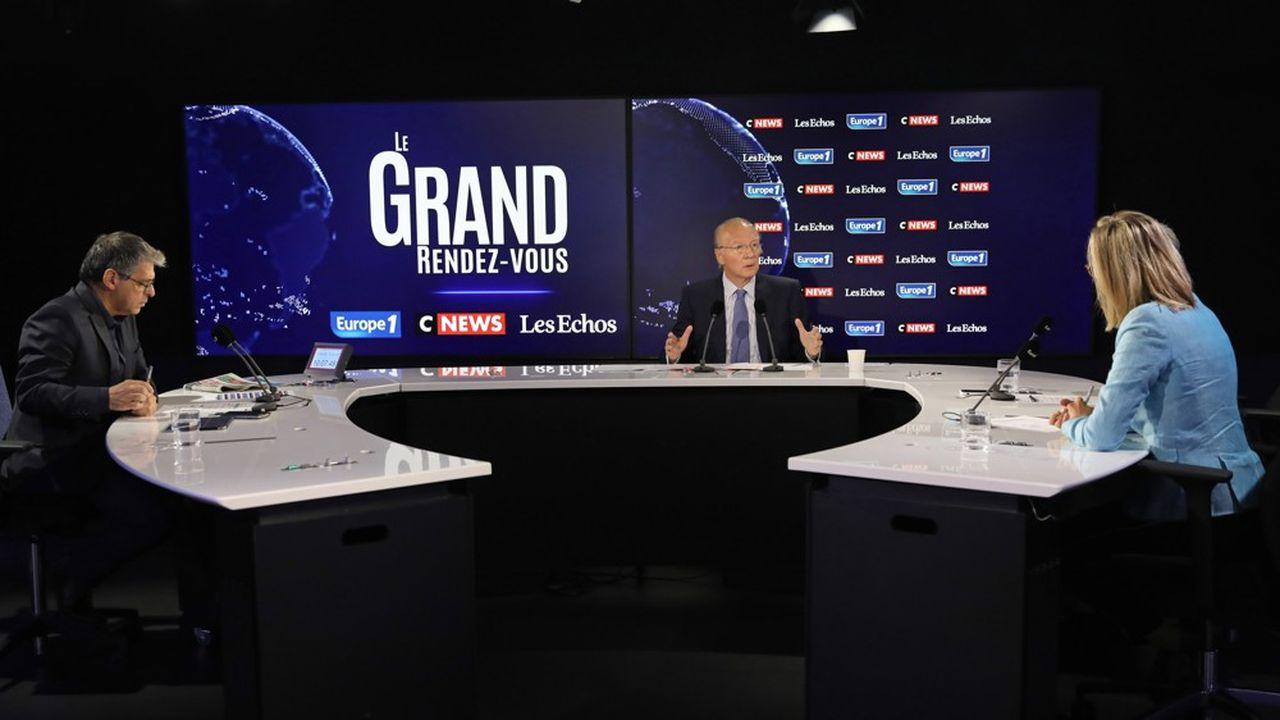 L'ancien ministre de l'Intérieur Brice Hortefeux sur le plateau du Grand Rendez-vous Europe 1-CNews- «Les Echos», dimanche 11octobre.