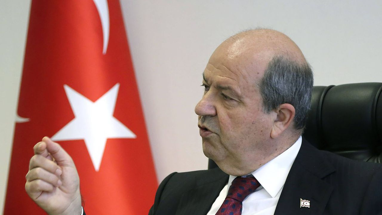 Ersin Tatar, l'actuel premier ministre de l'auto-proclamée République de Chypre nord a été ouvertement soutenu par la Turquie durant la campagne électorale.