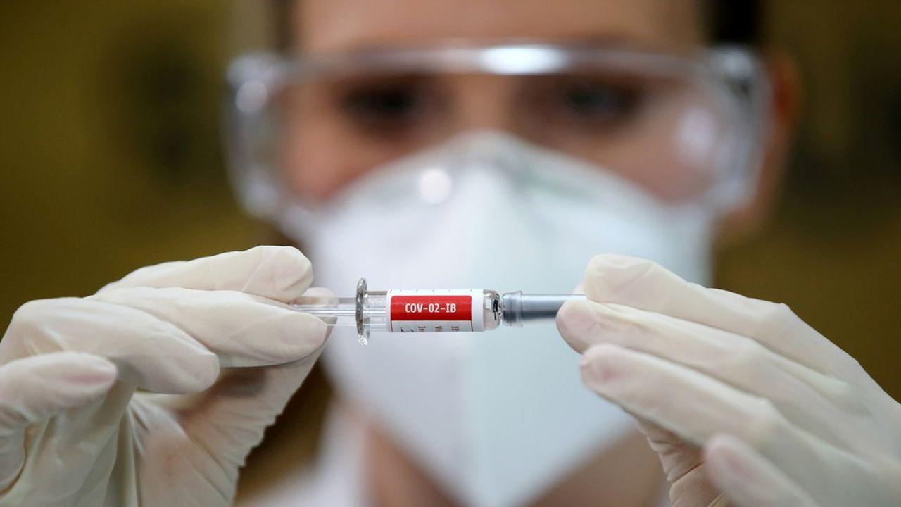 A ce jour, l'Organisation mondiale de la santé (OMS) recense 38 vaccins passés au stade des essais cliniques.