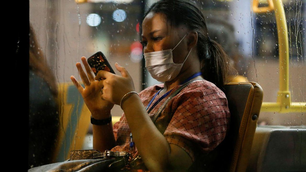 Le Covid-19 pouvait survivre et rester dangereux jusqu'à 28 jours sur de nombreuses surfaces de la vie courante, telles que les smartphones.