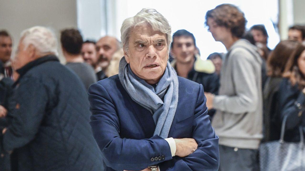 A partir de lundi 12octobre et jusqu'au 18novembre Bernard Tapiesera devant la Cour d'appel de Paris avec cinq autres personnes, dont Stéphane Richard, le PDG d'Orange.