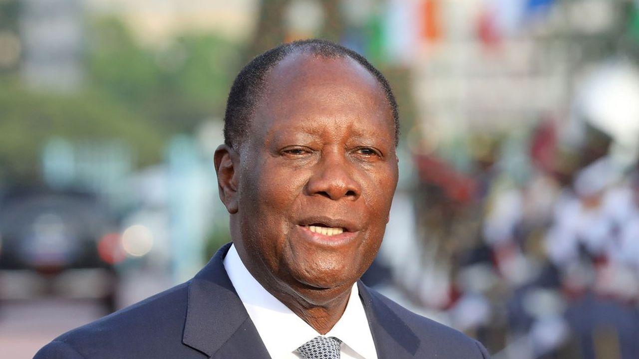 Le président Alassane Ouattara brigue un troisième mandat controversé.