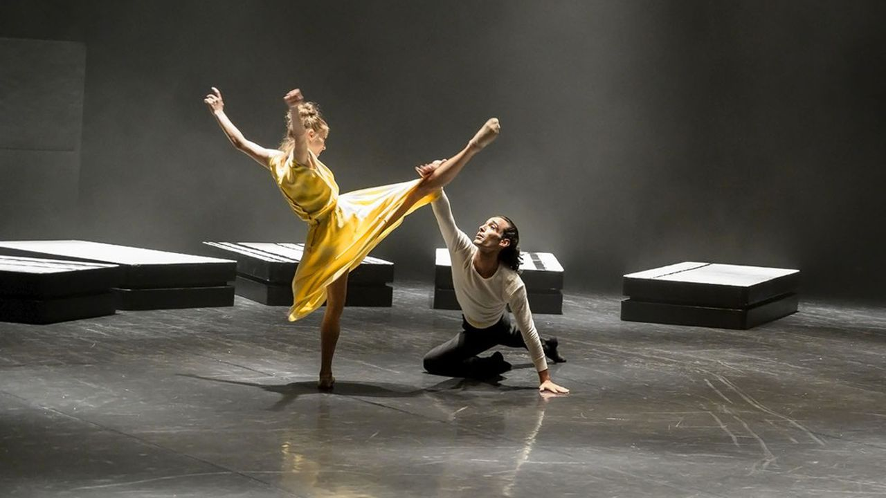 Don Juan (Saul Daniele Ardillo) et Elvira (Estelle Bovay) dans une danse à la vivacité permanente.