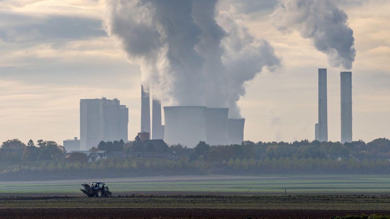 Greenpeace préconise l'instauration d'un «ISF climatique» prenant en compte l'empreinte carbone du patrimoine financier des contribuables les plus fortunés, comme les placements réalisés dans la réalisation et l'exploitation de centrales au charbon.