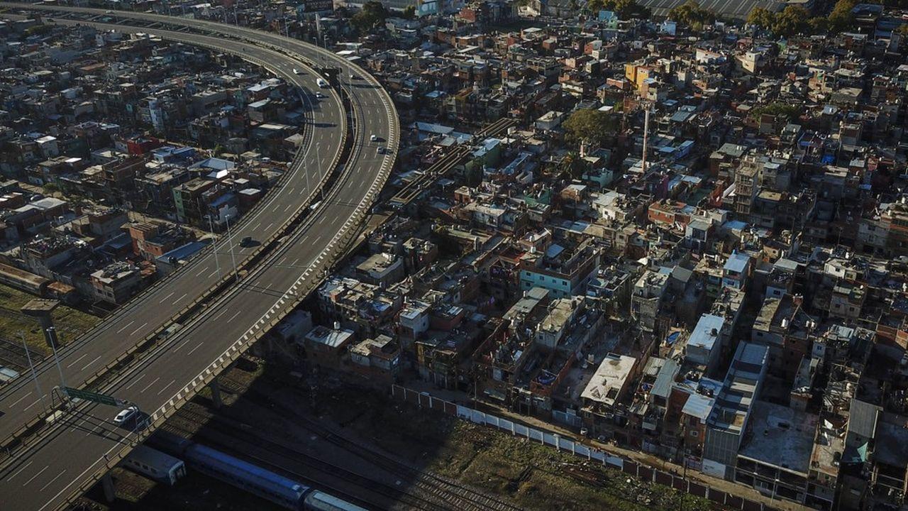 L'effondrement des déplacements par la route pendant le confinement (ici à Buenos Aires en avril) explique en partie la chute de la demande de pétrole.