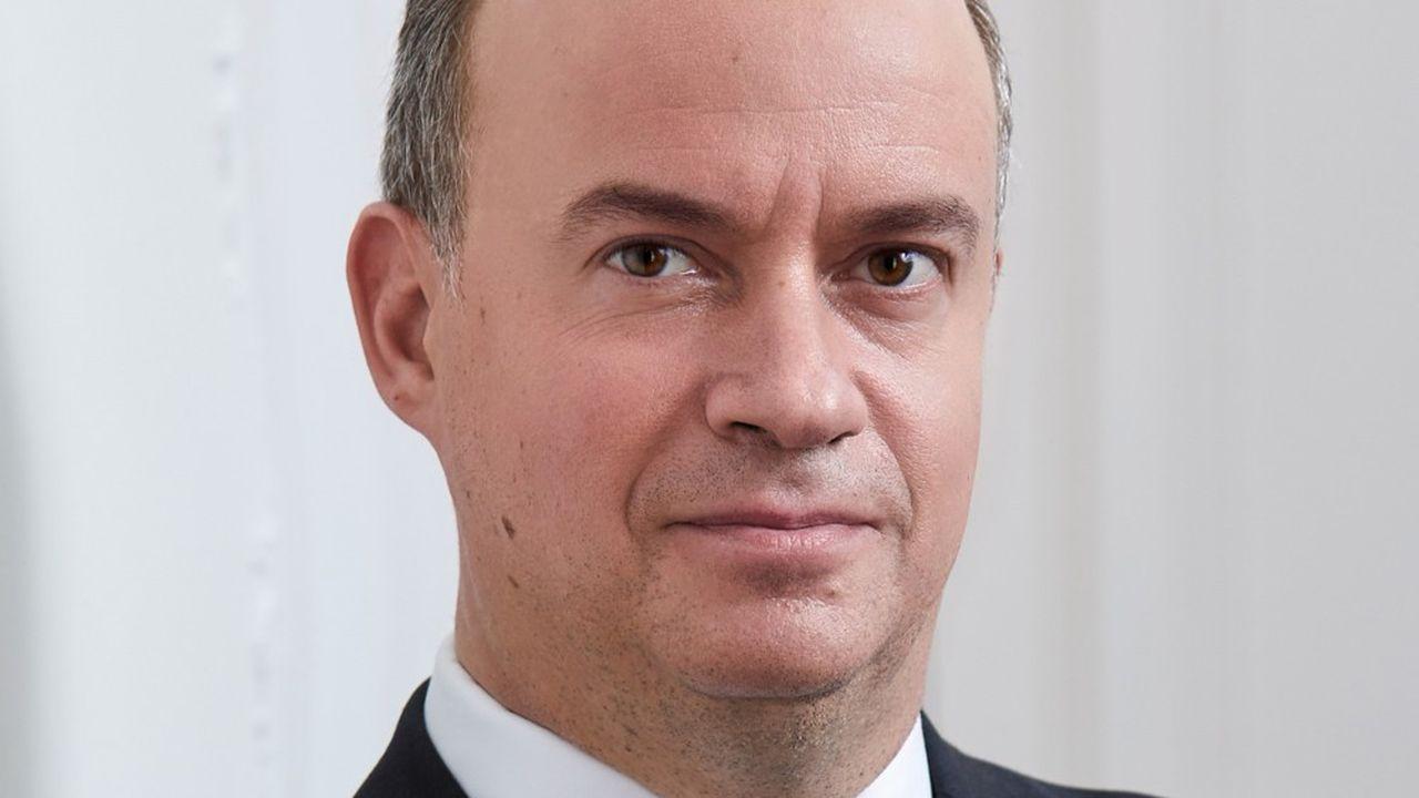 Cyrille Carrière se lance dans l'aventure entrepreneuriale en créant sa propre société de gestion, Lonvia Capital.