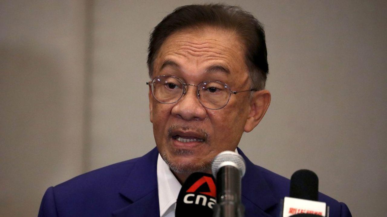 Anwar Ibrahim, le leader de l'opposition, estime être en mesure de former un nouveau gouvernement.