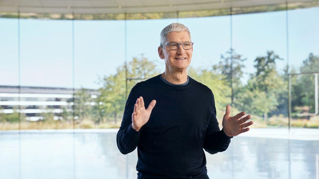 Tim Cook présente les nouveaux produits Apple.