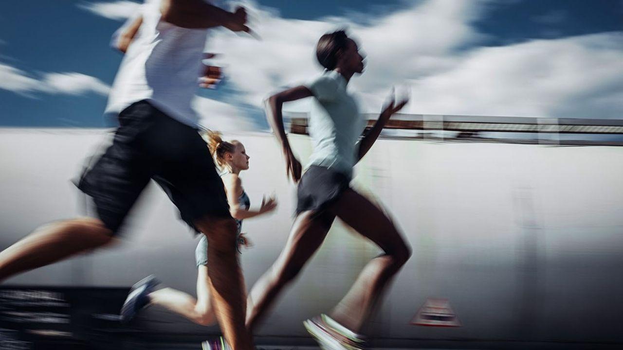 Si la pratique de la course à pied a été dopée durant le confinement, les courses officielles ont subi un coup d'arrêt. Une nouvelle donne qui rebat les cartes pour les nombreuses applis de running françaises.