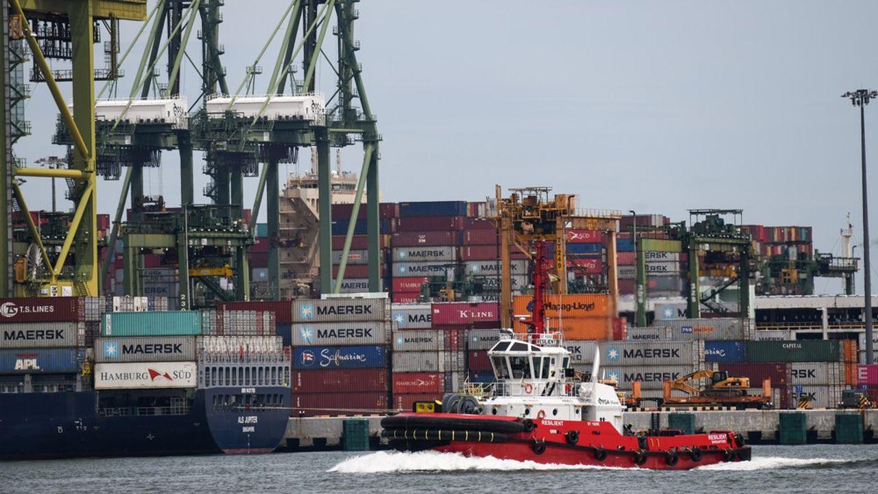 Le port à conteneurs retrouve progressivement son activité d'avant l'épidémie de Covid-19.