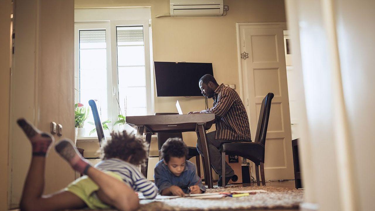 Les ménages avec enfants ont été particulièrement touchés financièrement par le confinement.