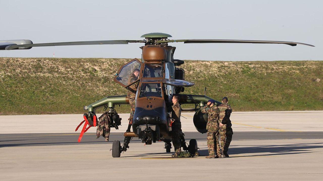 Un contrat-cadre remplace quelque 37 contrats d'entretien différents pour améliorer les délais de réparation de l'hélicoptère Tigre, dont le taux de disponibilité reste faible.