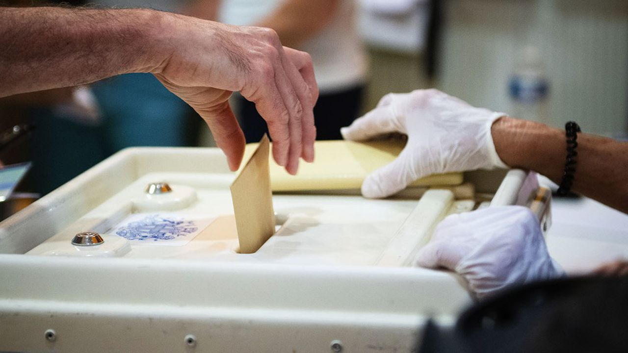 La question d'un éventuel report des élections départementales et régionales de mars prochain a repris de la vigueur ces derniers jours.