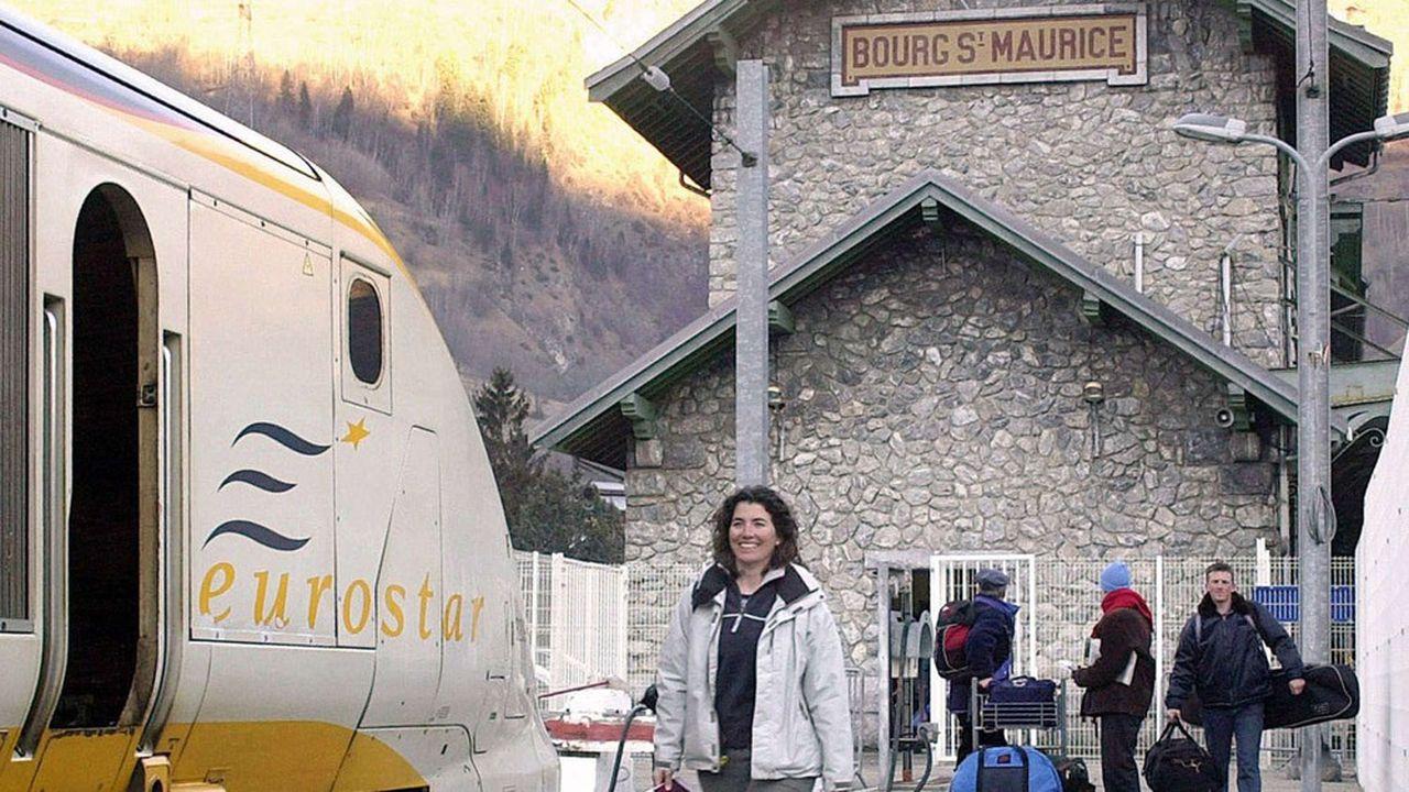 Cent soixante offices de tourisme des stations, tour-opérateurs, hôtels, chalets et écoles de ski ont écrit une lettre ouverte à Eurostar pour demander le rétablissement de la ligne.