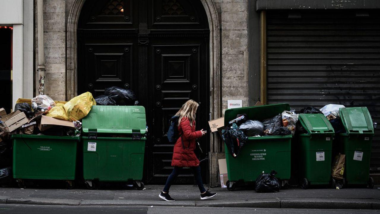 La taxe d'enlèvement des ordures ménagères (TEOM) est une taxe annexe à la taxe foncière.