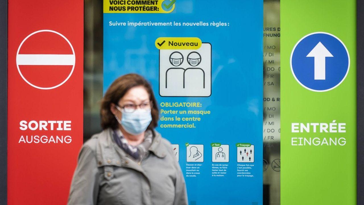 Le port du masque sera obligatoire dès lundi dans les lieux publics fermés dans toute la Suisse.