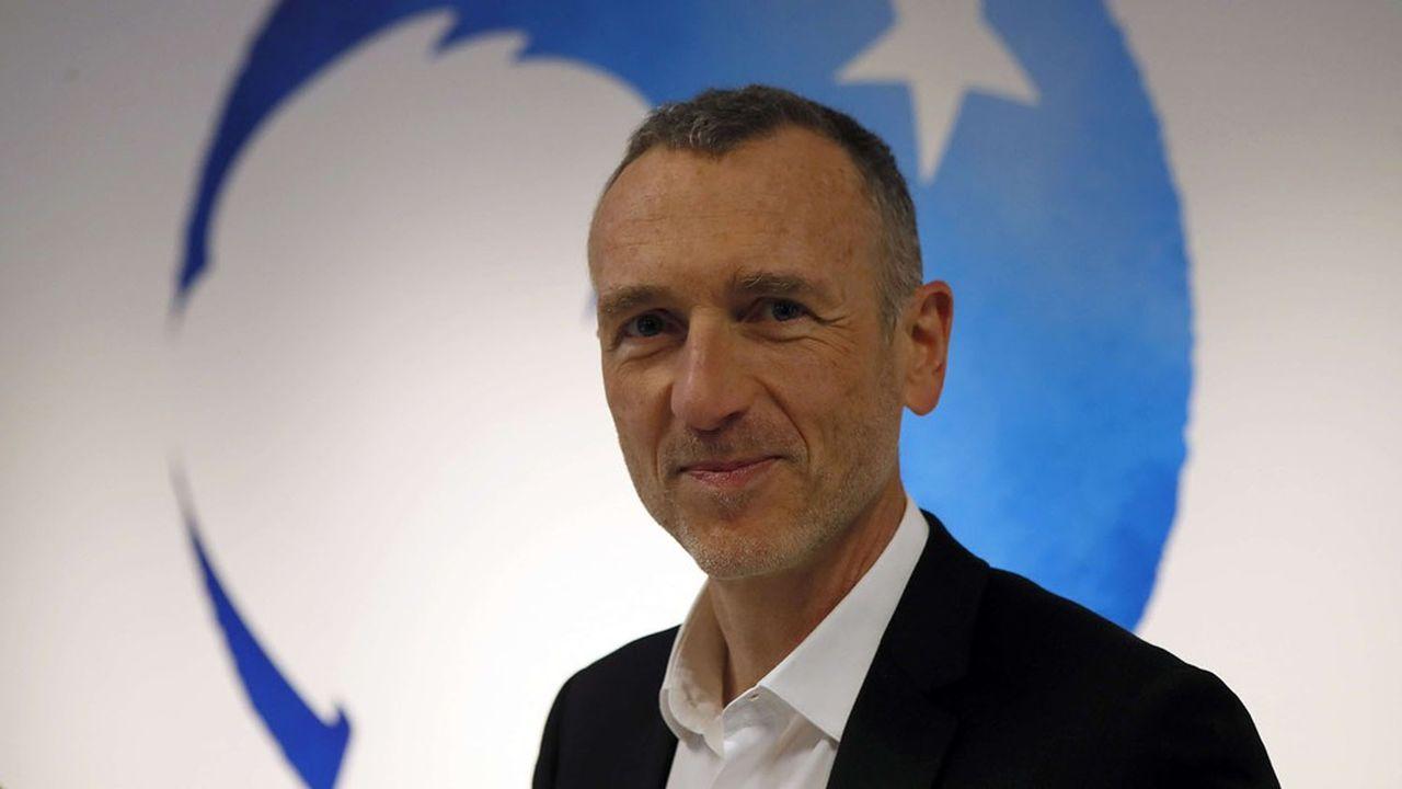 Emmanuel Faber, PDG du groupe Danone depuis 2017, a décidé de profondément remanier l'organisation de groupe et son management pour faire face aux multiples incertitudes aggravées par la pandémie.