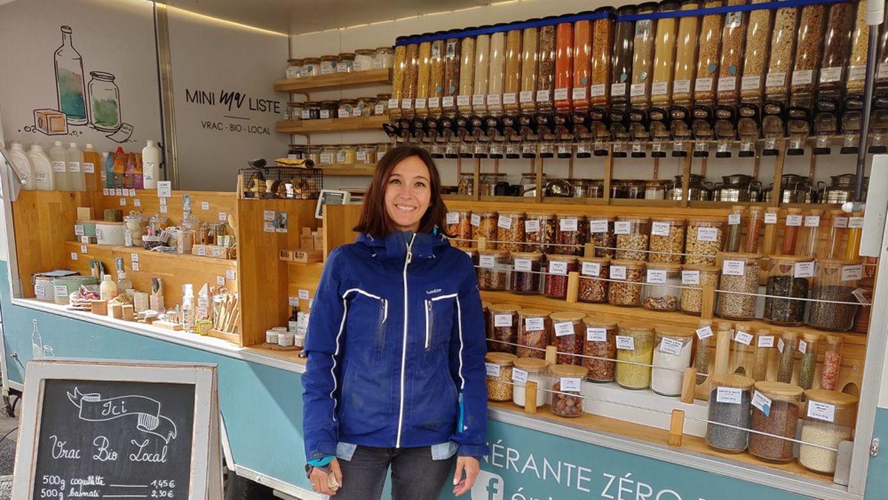 Clémentine, 36 ans, a créé son épicerie bio zéro déchet itinérante en Touraine, après avoir passé dix ans chez Red Bull.