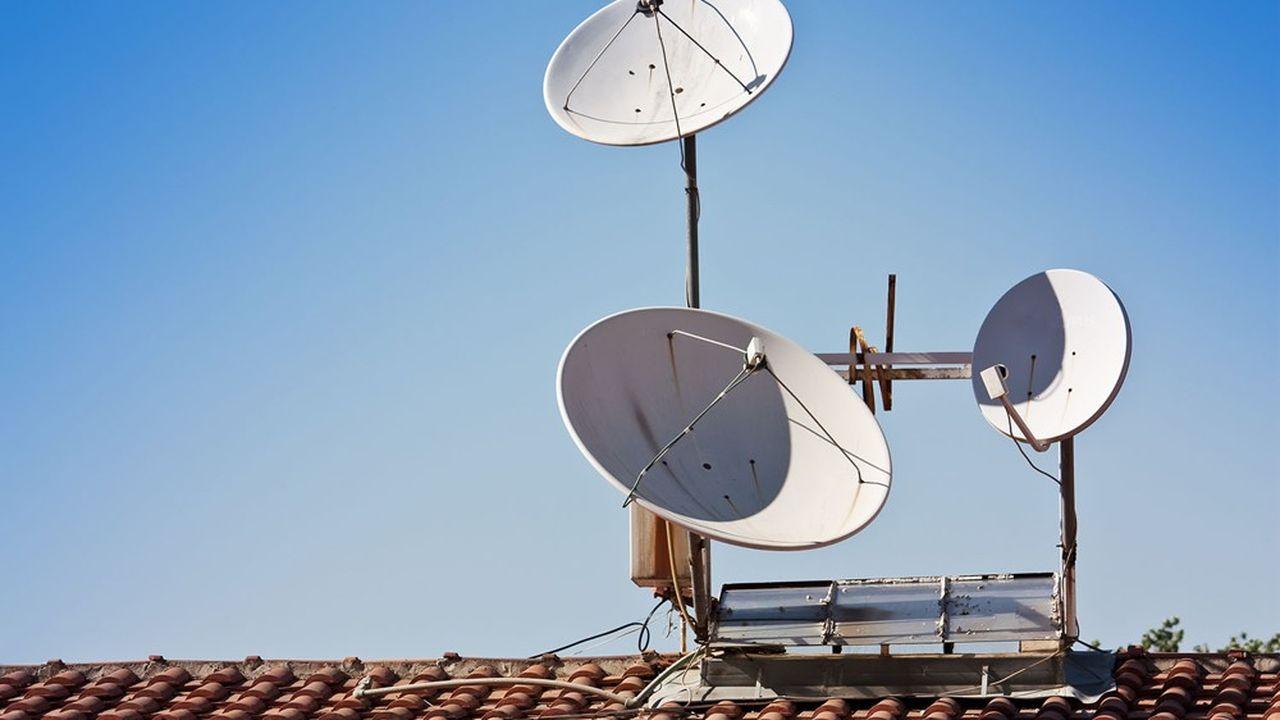 Le satellite est une technologie alternative permettant d'apporter du très haut débit dans les zones où la fibre et la 4G sont plus difficiles à déployer.