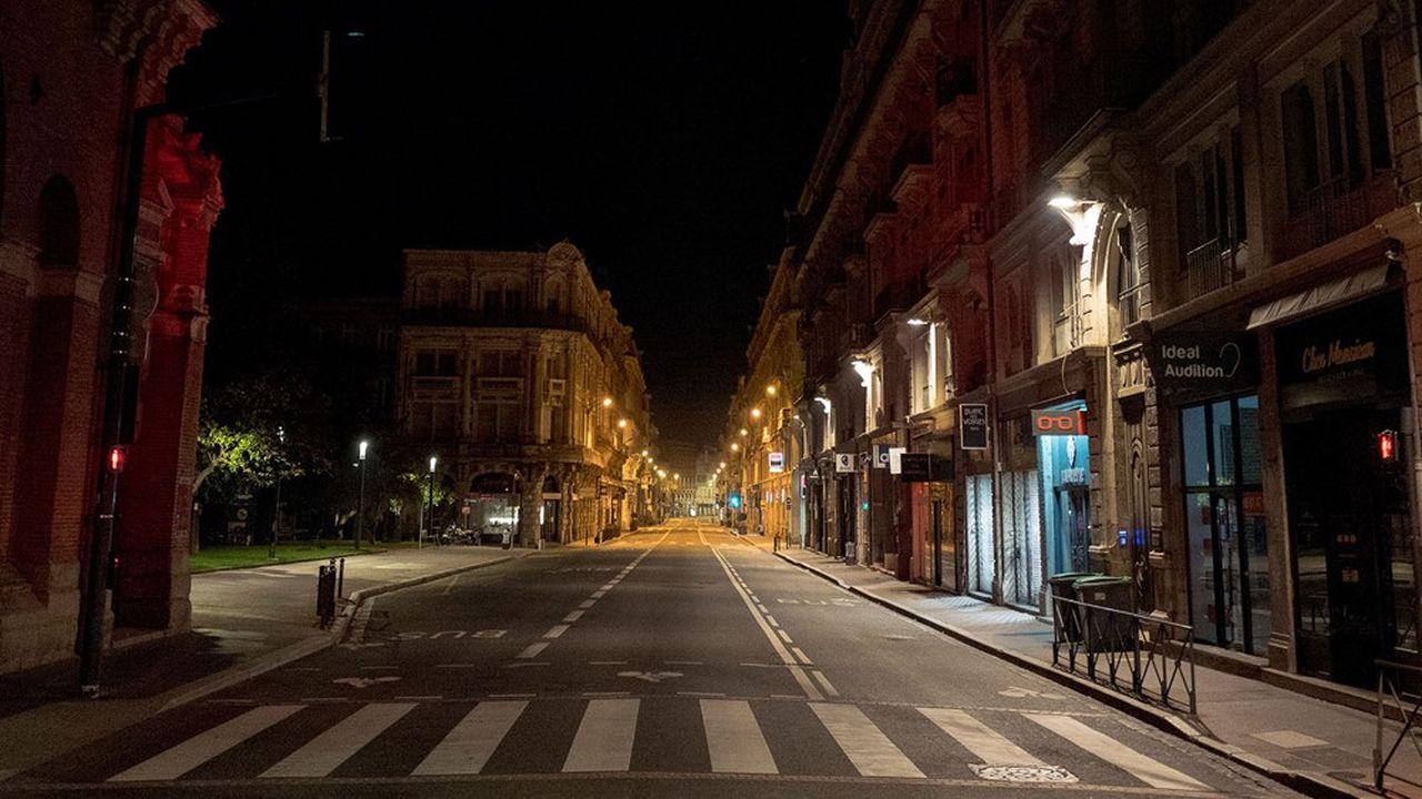 Le centre-ville de Toulouse, désertée de ses piétons et voitures avec le couvre-feu, 17octobre 2020.