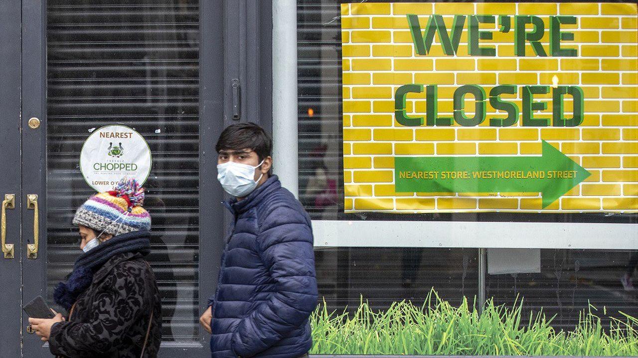 Les commerces non-essentiels vont devoir fermer leurs portes pour six semaines en Irlande.